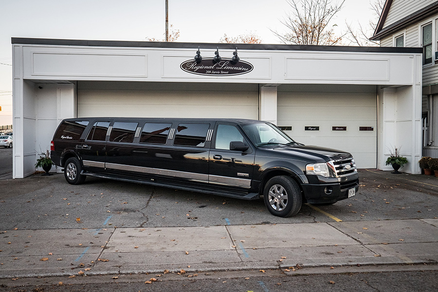 Black14 Person Expedition SUV