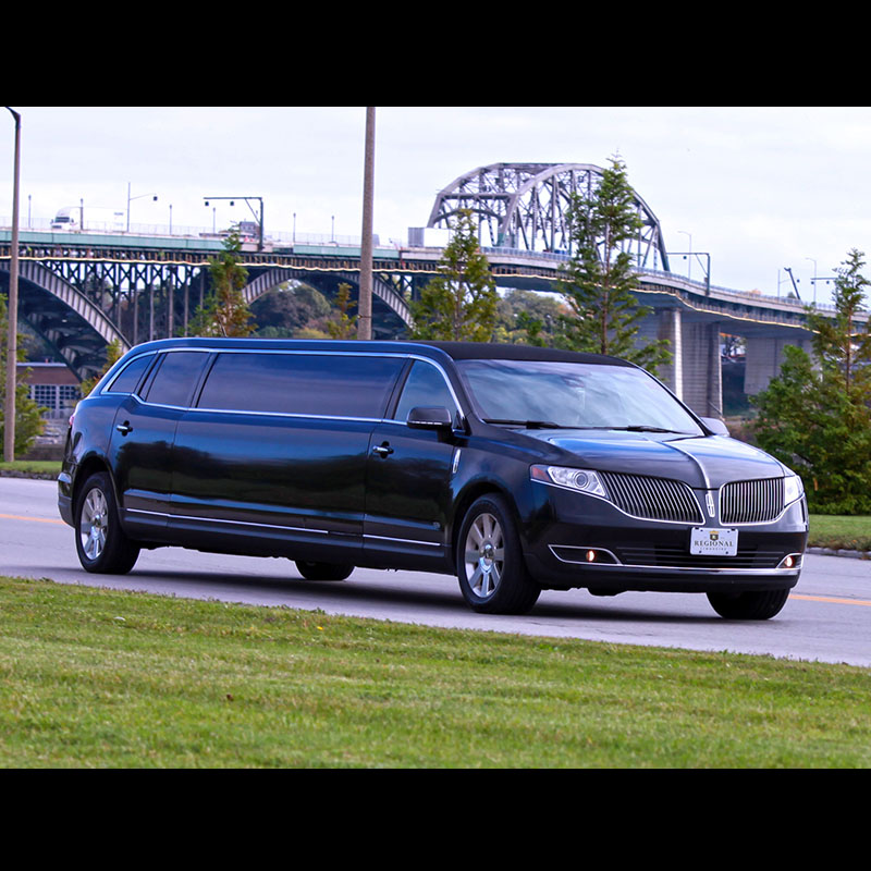 Lincoln MKT_0000s_0001s_0001_Layer 5 copy 4